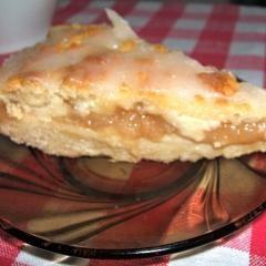 Ganz fix zubereitet und immer ein Gedicht: Der Apfelmuskuchen ist zu jeder Jahreszeit eine gute Idee!