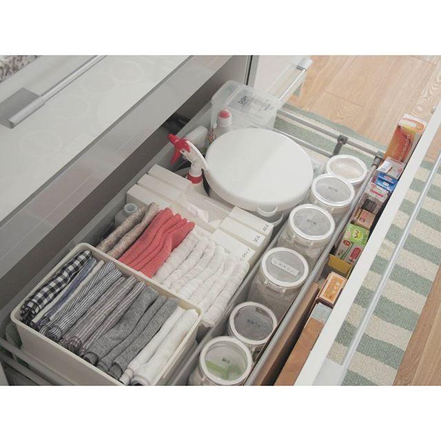使いやすくておしゃれなキッチン作り 棚 引出しの使い方と収納方法 Folk キッチン おしゃれ 収納 アイデア キッチン 収納 引き出し