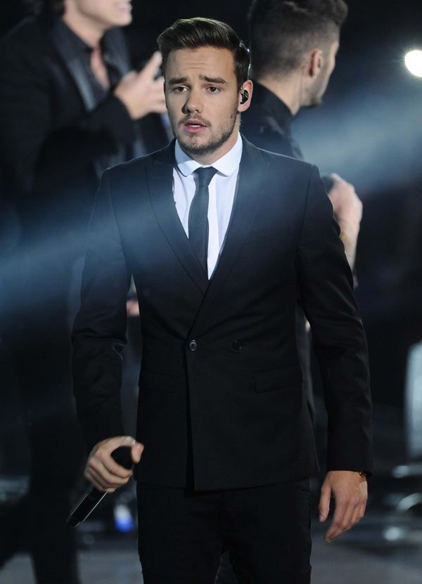 Okay this....this one is not the tuxedo effect....ladies and gentlemen it is the Liam Payne effect....Happy birthday Liam Love you too infinity and beyond.