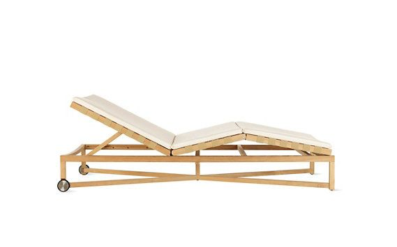 Rusa Adjustable Chaise Lounge With Wheels Modern Lounge
