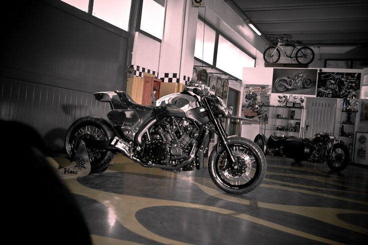 Yamaha V-Max Hyper Modified by Abnormal Cycles