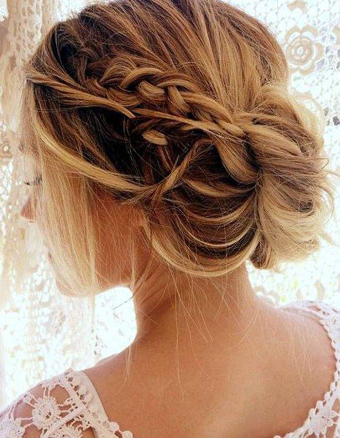 Photo coiffure cheveux mi long mariage
