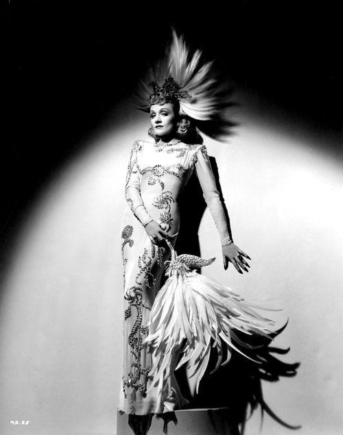 "la_gatta_ciara: Марлен Дитрих и ее ""иллюзорные платья"" ."
