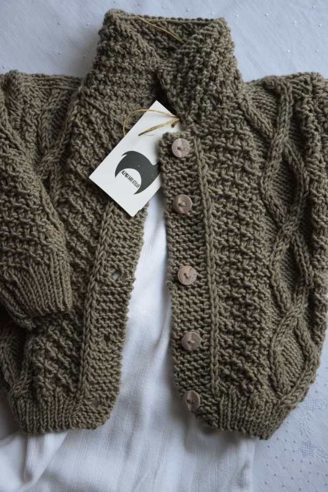 Baby Strickjacke aus Merino Wolle