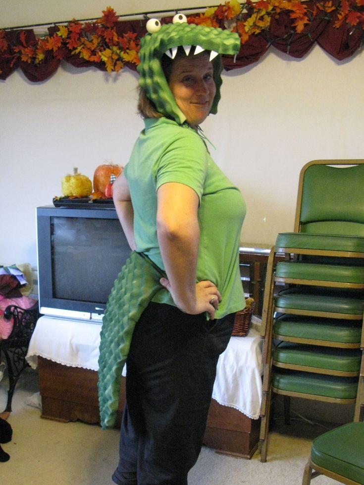 Donnette's Alligator Costume for her child's Fall Break Play - Oct 2011