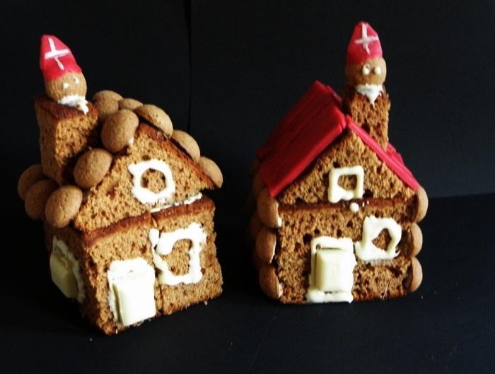 Koekhuisjes; ontbijtkoek, witte chocola, pepernoten, rode marsepein