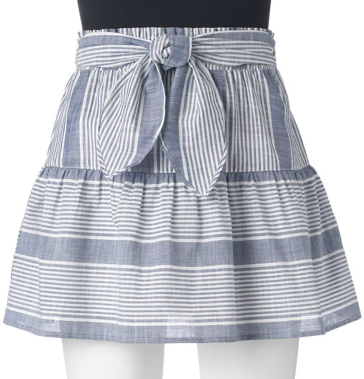 Juniors' Joe B Knot-Front Skirt