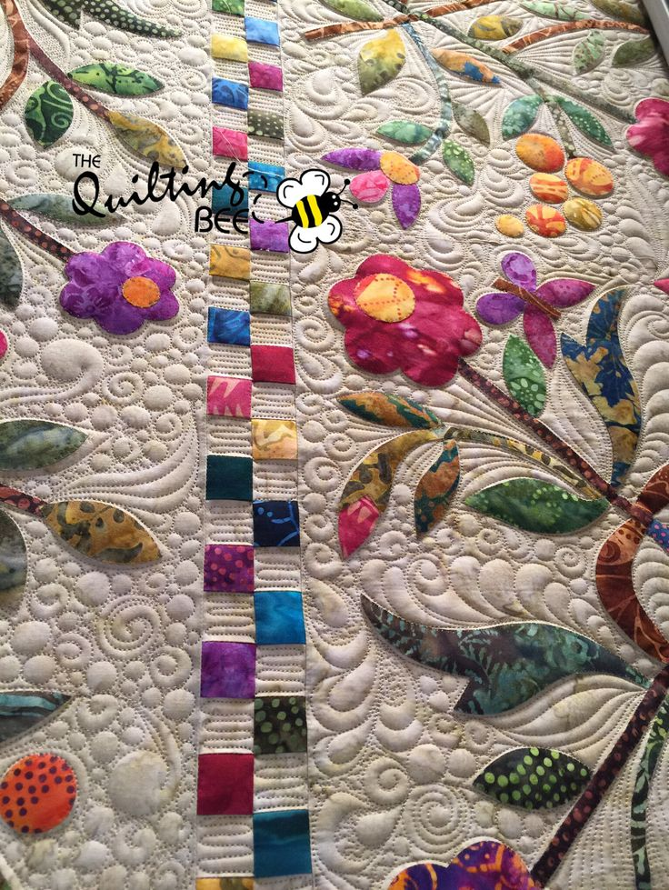 """""""Nemishing"""" freehand filler ... quilt top by Lee Nicholson, quilting by Kelly Corfe, quilt design by Edyta Sitar of Laundry Basket Quilts. #innovalongarm www.thequiltbee.com"""