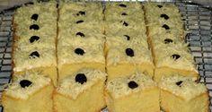 Cake klasik dengan jenis butter cake yang bertekstur 'berat' namun tetap lembut memang cocok dijadikan menu ganjel perut di pagi hari alia...