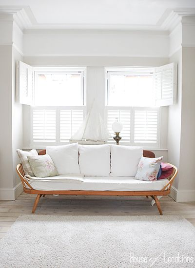 Google Image Result for http://www.houseoflocations.com/houseblog/wp-content/uploads/daybed-ercol.jpg