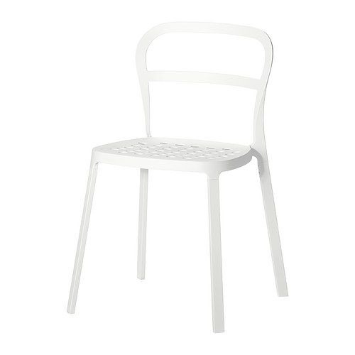 This stylist REIDAR chair is aluminum, recyclable, stackable and meant for both indoor and outdoor use!