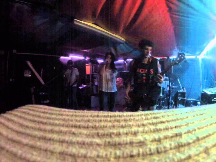 No solo de musica electronica vive Ibiza, banda de hard rock para una noche de descontrol. Banda originaria de ibiza formada por dos guitarras, Angel y Juan, cantante Kim, bateria Pedro y bajista Oscar.  Guitarras relinchando acompañan a una grandisima voz original hasta el infinito acompañados de los ritmos rompedores de la bateria acolchados por el sonido del bajo. Proximo concierto en Ibiza el proximo mes de diciembre.  www.facebook.com/oscar.escude Deja que la musica te salve la vida
