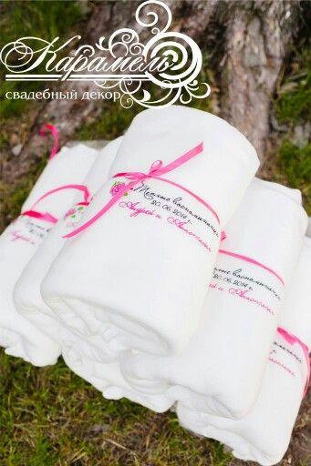 Теплые подарки для гостей на свадьбе)
