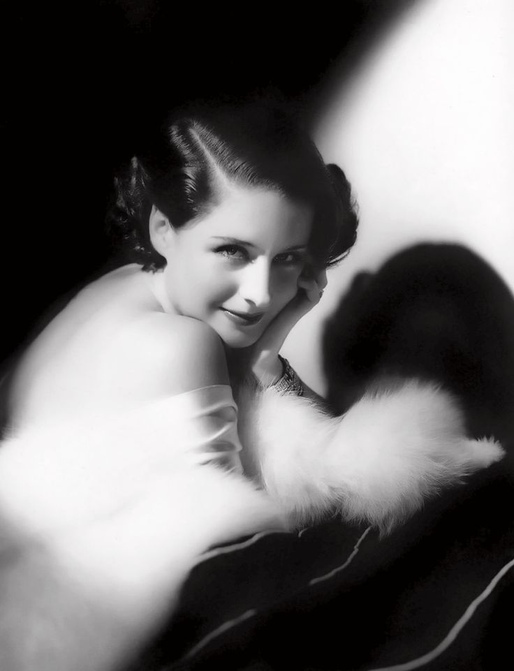 We Had Faces Then — Norma Shearer in a 1932 photo by George Hurrell