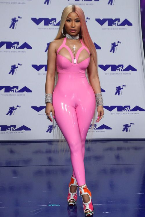 New Trending Celebrity Looks: celebsofcolor:  Nicki Minaj attends the 2017 MTV Video Music....  celebsofcolor:  Nicki Minaj attends the 2017 MTV Video Music Awards at The Forum on August 27, 2017 in Inglewood, California.