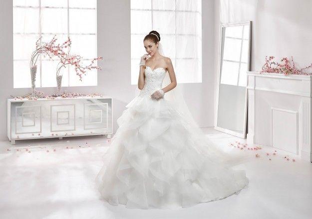 Nicole Spose #abitosposa2016   #abitoconrouches   #bride    #bridal   #sposa2016   #matrimonio   #matrimoniopartystyle   #wwwmatrimoniopartystyleit   #trovalocation   #location   #ricevimento   #wedding   #weddingconsultant   #nozze