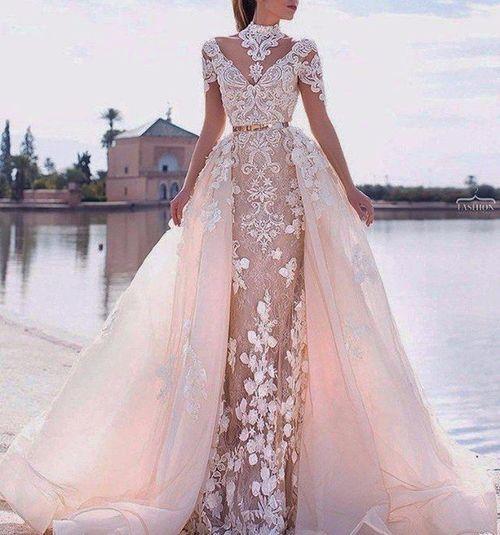 Шикарное платье!  Кто хочет такое платье?  Лайк #макияж #платья #туфли #прически #мода #стиль #стрелки #брови #сочетания #красота #дизайн #ногти ... - @zhenski_mir5733 #wedding