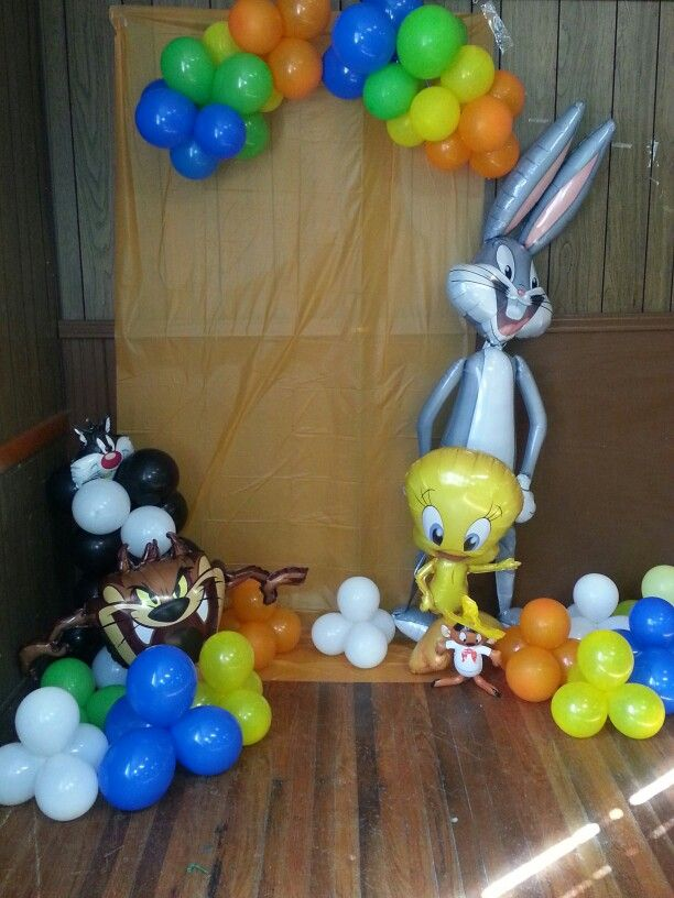 Looney Tunes Baby Shower Photo Area