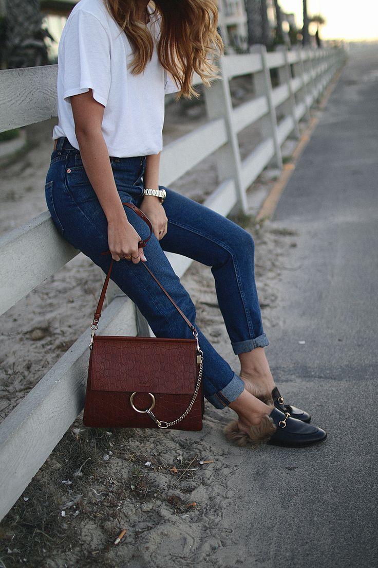 Ein schlichter Alltagslook aus L.A. Eben genau diese Looks sind meine absoluten Wohlfühl-Outfits und gerade auf Reisen ideal, da sie eigentlich zu jeder Gelegenheit passen. Ich griff also zu den Klassikern Jeans und T-Shirt, hier in Form einer Mom jeans und einem sehr weiten Shirt. Kombiniert habe ich dazu Lederslippers, die zum einen auch klassisch …