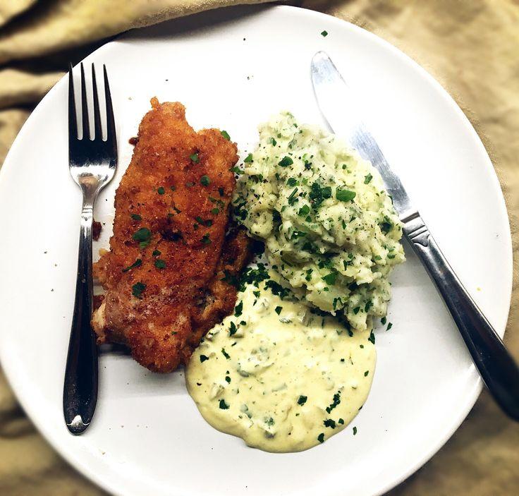 FISHFOOD bland det godaste man kan äta. Panerad torsk, remouladsås & potatismos med vitlök/smör/persilja. Recept remoulad sås: ❀ 3 dl turkisk yoghurt/kvarg  ❀ 2 dl majonnäs ❀ Finhackad smörgåsgurka/bostongurka/saltgurka ❀ 1-2 tsk dijonsenap ❀ Salt, peppar, gurkmeja ...  Blanda ihop, + några droppar citron. passar perfekt till fisk. Panering: glutenfritt ströbröd.
