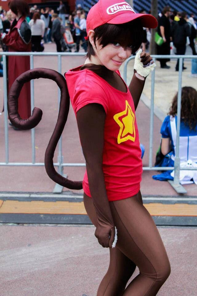 Donkey Kong-Nintendo. View more EPIC cosplay at http://pinterest.com/SuburbanFandom/cosplay/...