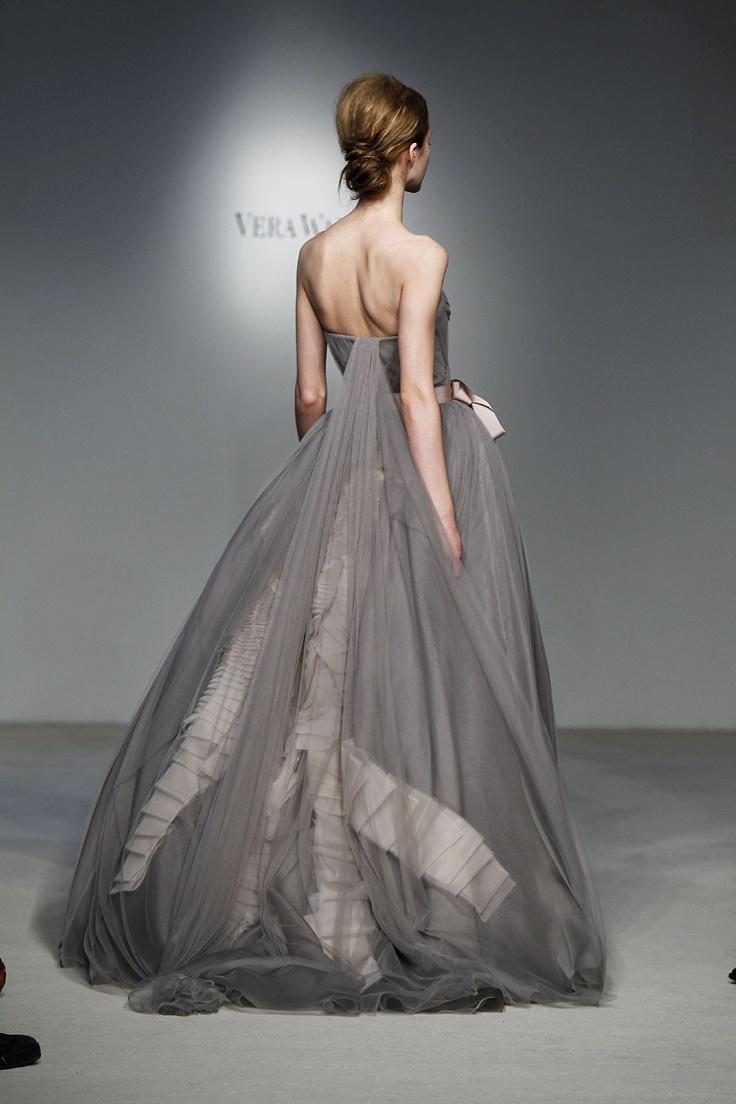 88 best Vera Wang images on Pinterest | Vera wang, Vera wang gowns ...