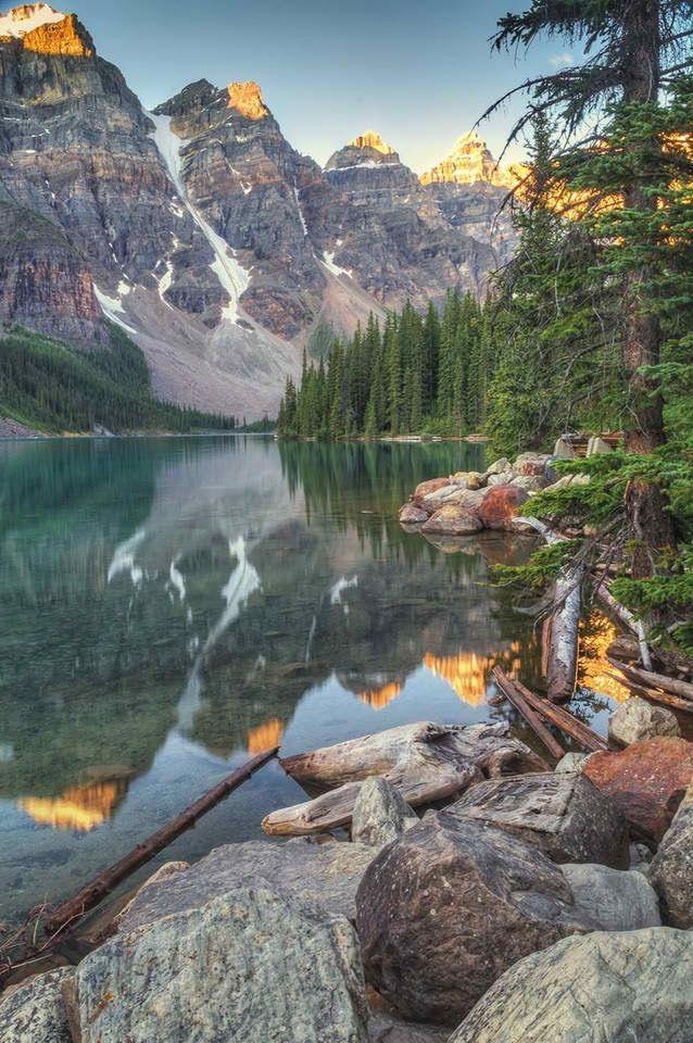 Un des superbes lacs au Canada....