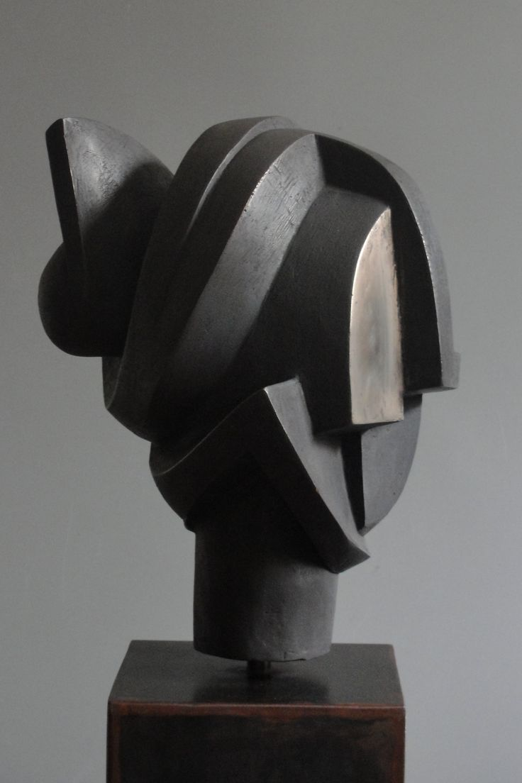 black - sculpture - Carmen Otero