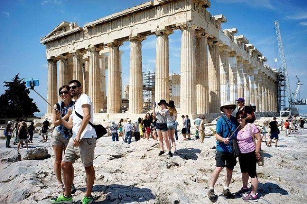 Ξεπέρασαν τα 23,5 εκ. οι Τουρίστες στο 9μηνο 2017 Αύξηση κατά 10,3% εμφάνισαν στο εννεάμηνο Ιανουαρίου - Σεπτεμβρίου τα έσοδα από τον τουρισμό αγγίζοντας τα 12,994 δισ. ευρώ.