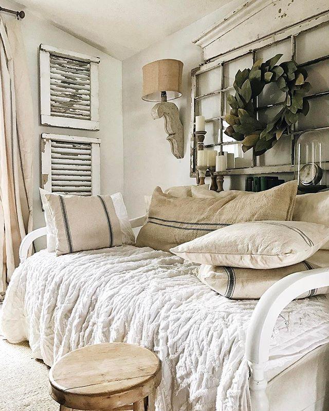 Shibori Trend: DIY Indigo Shibori Pillow |