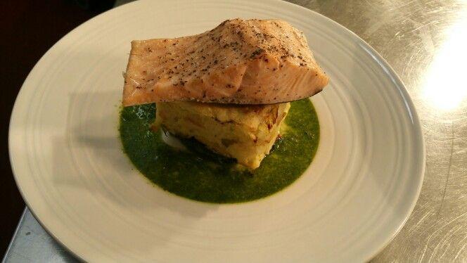 Salmon, crushed pots, salsa Verde