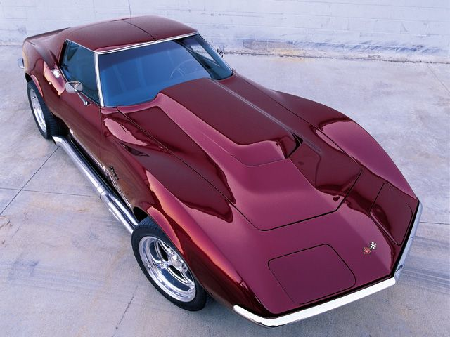 1969 Chevrolet Corvette Stingray Maroon Passenger Side Front View - https://swisshalley.com/de/ref/future56