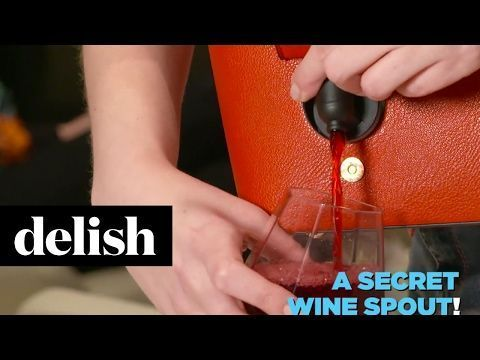 This Wine Purse Lets You Get Your Drink On Anywhere - Bella Vita - Delish.com #WinePurse