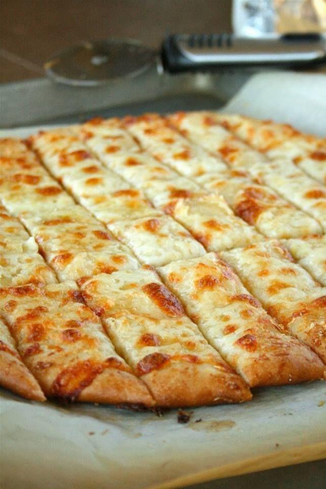 Plukbrood met kruidenboter en oude kaas