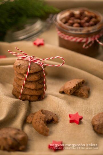 Nagyon mogyorós gluténmentes keksz – Ünnepi vendégváró keksz Vendégvárónak, vagy ajándékba is tökéletes ez a gluténmentes finomság! Újabb bizonyíték, hogy a cirokból nem csak seprűt lehet készíteni. Gasztroajándék ötlet.