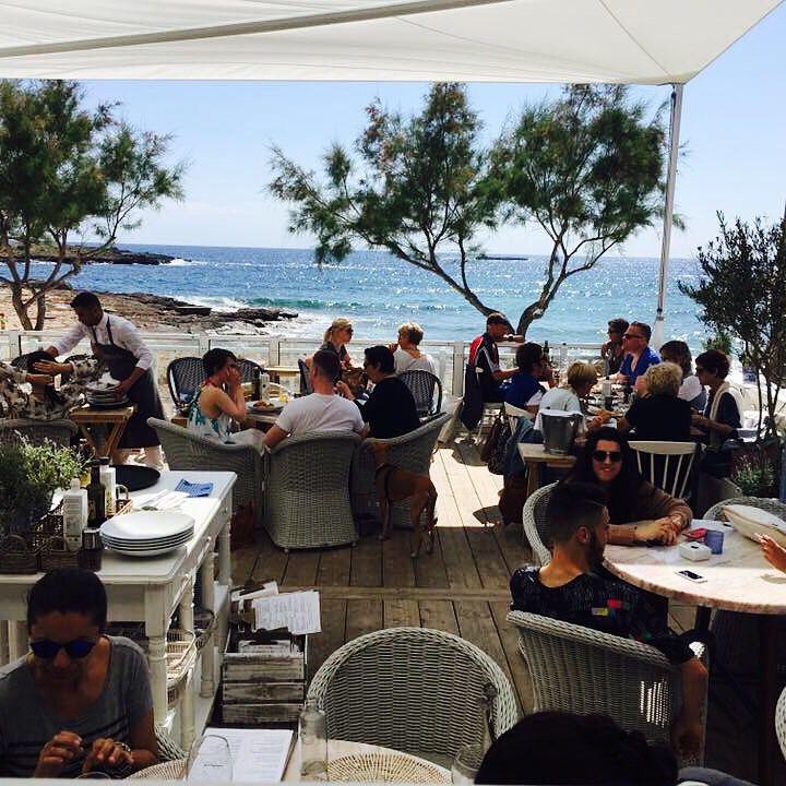 #estrencbeach #mallorca #beachhouse #cassai #sessalines #santanyi #santanyimarket #tapasbar #bistro #coloniasantjordi #restaurant #restaurante www.cassai.es/beachhouse