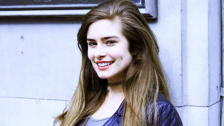 Actor Rachel Shenton makes the Radio 4 Appeal on behalf of SignHealth.