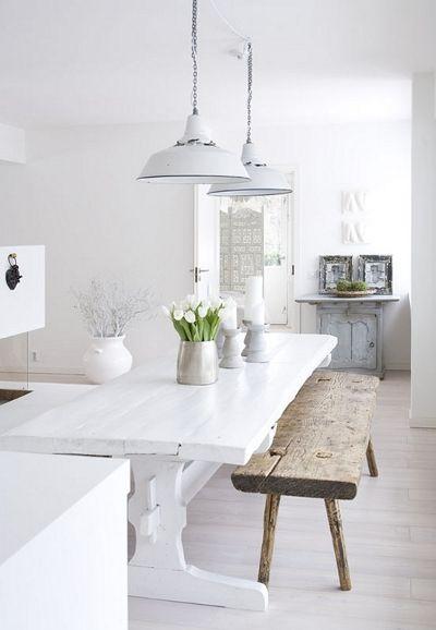 Vaniljan valkoista: Renova ja keittiön valaistus