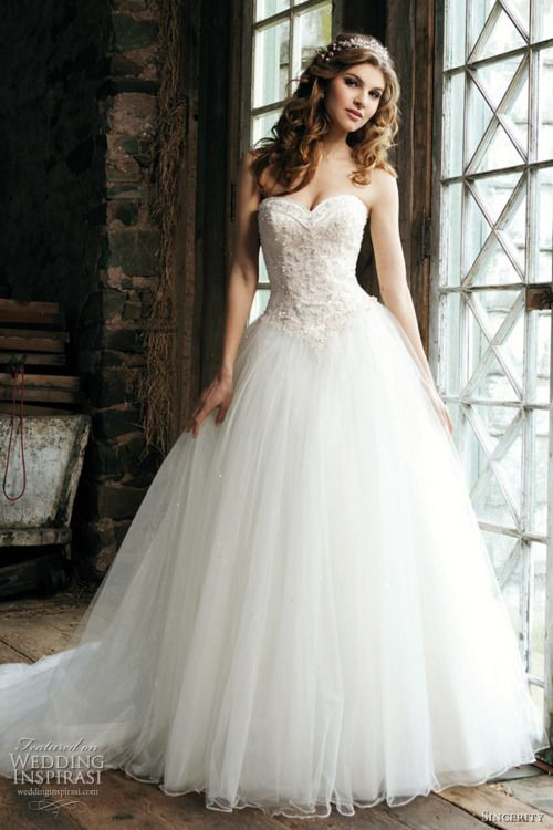 17 best Wedding Dresses images on Pinterest | Wedding dressses ...