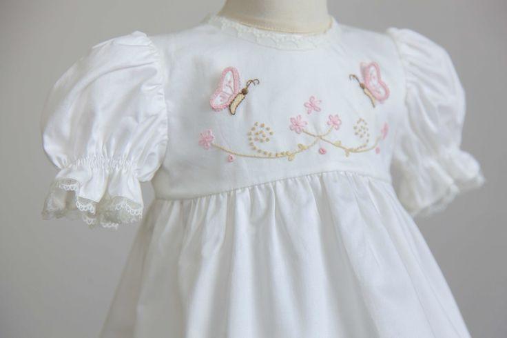 Özelgün elbiselerimiz www.medekids.com.tr #tasarım#kişiyeözel#hediye#baby#dress#3dbutterfly#embridery#handmade#baby#bebek#dantel#medekids#babytrend#mevlid#vaftiz#