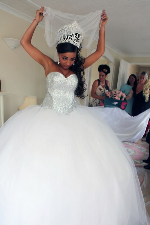 Sarah16 And George 17 Both English Romany Gypsies Are Getting Married In Wickford Essex