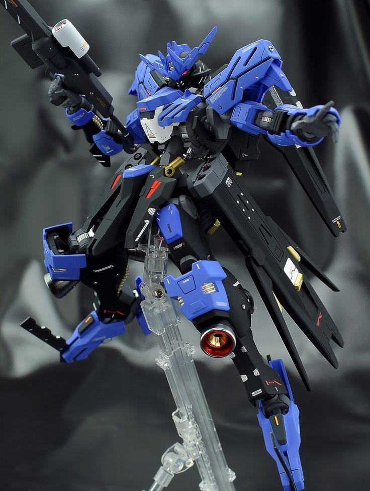 Builder: adamantium  Kits Used: 1/100 Gundam Vidar   Since its recent debut on IBO Season 2, lotsa modelers have been rushing out Vidars, bu...