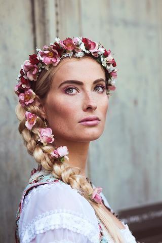 134 besten Dirndl Frisuren Bilder auf Pinterest  Dirndl frisuren Kopf und Anleitung fr