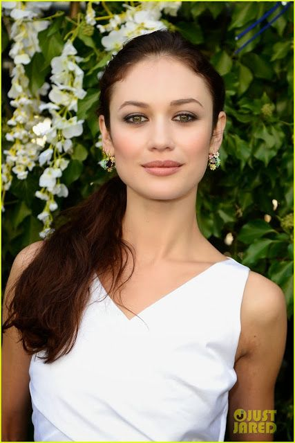 Celeb Diary: Olga Kurylenko @ Paris Fashion Week