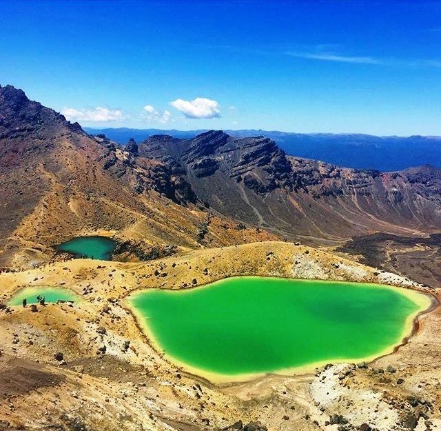 Tongariro Crossing - an unusual place in New Zealand