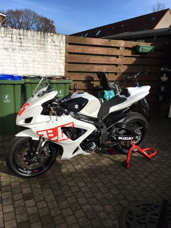 Suzuki GSX-R 600 K7 #tekoop #aangeboden in de groep van #Motortreffer (zie: www.facebook.com/groups/motorentekoopmt) #motorentekoopmt #suzuki #suzukigsxr #suzukigsxr600k7 #suzukisport #sportbike #sportmotor