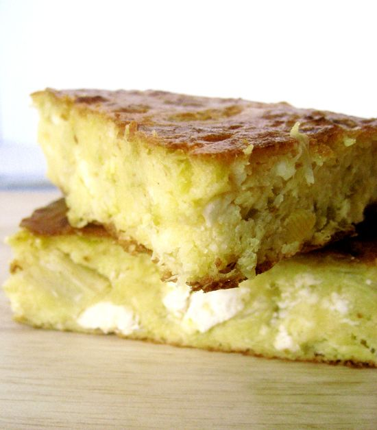 Πίτα-ψωμί με καλαμποκάλευρο, πράσα και φέτα