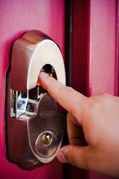 bome biometric door lock benefits of using fingerprint access control door lock - Biometric Door Lock