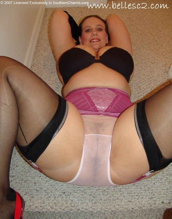 Lovely milf creampied