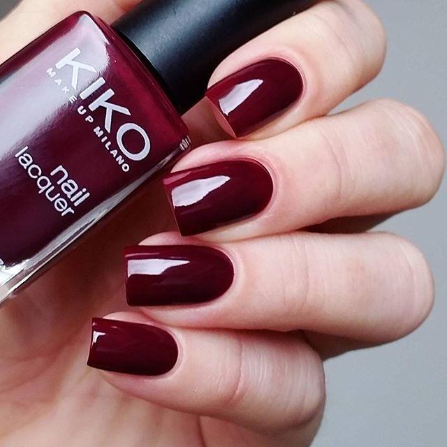 Wieder mal einen alten Lack rausgekramt. Eine wunderschöne Farbe und genau das richtige für diese Jahreszeit  #kiko243 #plumred #kikotrendsetters | Очень старый лак и очень красивый, осенний. KIKO 'Plum Red' в два слоя без топа